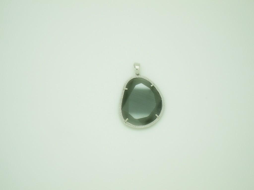 Colgante grande piedra verde oliva plata